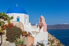 αρχιτεκτονικό ύφος santorini νησιών της Ελλάδας θόλων των Κυκλάδων εκκλησιών παραδοσιακό Στοκ εικόνες με δικαίωμα ελεύθερης χρήσης