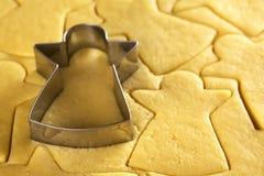αρωματικά καρυκεύματα μελοψωμάτων μπισκότων Χριστουγέννων ψησίματος Στοκ Εικόνες