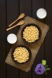 Αρωματικά μέλι δημητριακά προγευμάτων Στοκ φωτογραφία με δικαίωμα ελεύθερης χρήσης