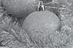 ασήμι σφαιρών ανασκόπησης Στοκ εικόνα με δικαίωμα ελεύθερης χρήσης
