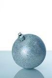 ασήμι Χριστουγέννων σφαιρών Στοκ φωτογραφία με δικαίωμα ελεύθερης χρήσης