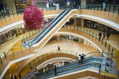 Ασία Κίνα, Πεκίνο, plaza αγορών λουλακιού, εσωτερική δομή κτηρίου Στοκ φωτογραφία με δικαίωμα ελεύθερης χρήσης