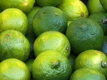 Ασβέστες σε μια αγορά φρούτων Στοκ Εικόνες