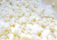 Ασβέστιο-πλούσια κινηματογράφηση σε πρώτο πλάνο τυριών εξοχικών σπιτιών στοκ φωτογραφίες