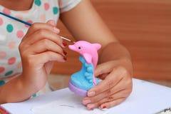 Ασβεστοκονίαμα κουκλών watercolor χρωμάτων παιδιών τέχνης χεριών για education1 Στοκ εικόνα με δικαίωμα ελεύθερης χρήσης