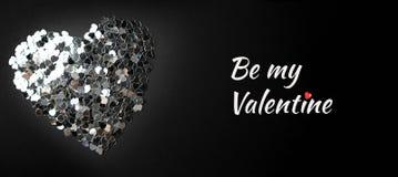 Ασημένια καρδιά σε ένα μαύρο υπόβαθρο στοκ φωτογραφίες με δικαίωμα ελεύθερης χρήσης