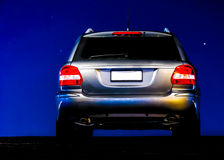 Ασημένια νύχτα αυτοκινήτων στοκ εικόνες