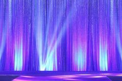 Ασημένιες κύμα οθόνης κουρτινών drape και ακτίνα φωτισμού Στοκ Εικόνα