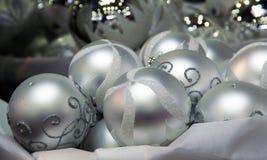 Ασημένιες προσκρούσεις Χριστουγέννων Στοκ φωτογραφία με δικαίωμα ελεύθερης χρήσης