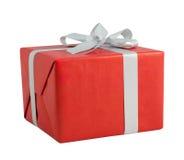 Ασημένιες χειρωνακτικές κατευθύνσεις λωρίδων πτυχών τεχνών κιβωτίων δώρων κορδελλών κόκκινες που απομονώνονται στοκ εικόνες με δικαίωμα ελεύθερης χρήσης