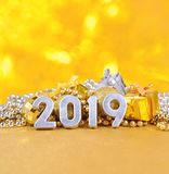 ασημένιοι αριθμοί έτους του 2019 για το υπόβαθρο του decorati Χριστουγέννων Στοκ φωτογραφία με δικαίωμα ελεύθερης χρήσης