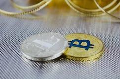 Ασημένιοι Litecoin και χρυσός bitcoin Στοκ Εικόνες