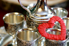 Ασημένιο κόκκινο μορφής καρδιών Στοκ Φωτογραφία