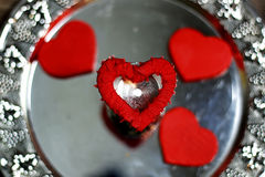 Ασημένιο κόκκινο μορφής καρδιών Στοκ Εικόνα