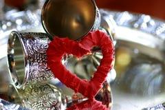 Ασημένιο κόκκινο μορφής καρδιών Στοκ Εικόνες