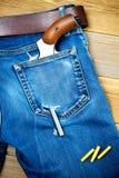 Ασημένιο περίστροφο στην πίσω τσέπη Στοκ εικόνα με δικαίωμα ελεύθερης χρήσης