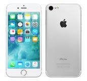 Ασημένιο iPhone 7 της Apple Στοκ εικόνα με δικαίωμα ελεύθερης χρήσης