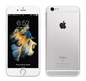Ασημένιο iPhone της Apple 6S Στοκ εικόνες με δικαίωμα ελεύθερης χρήσης