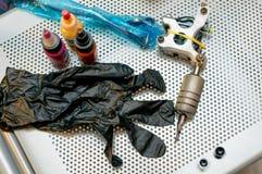 Ασημένιο mashine δερματοστιξιών στον πίνακα Στοκ Εικόνες