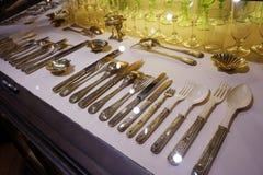 Ασημικές που χρησιμοποιούνται από τα μέλη της οικογένειας του Habsbourg στην αυτοκρατορική ασημένια συλλογή στο Hofburg στοκ φωτογραφία