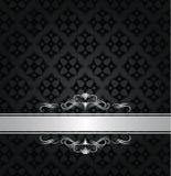 Ασημώστε το έμβλημα στο μαύρο floral άνευ ραφής σχέδιο στοκ εικόνες