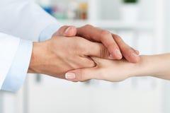 Ασθενής ενθαρρυντικός και υποστήριξη Στοκ φωτογραφία με δικαίωμα ελεύθερης χρήσης