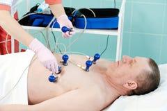 Ασθενής νοσοκομείου στο ηλεκτροκαρδιογράφημα Στοκ φωτογραφίες με δικαίωμα ελεύθερης χρήσης