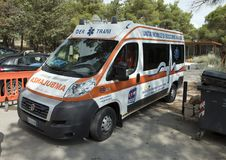 Ασθενοφόρο έξω από Castel Del Monte Andria στη νοτιοανατολική Ιταλία Στοκ Φωτογραφία