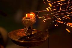 Ασιάτης, Αραβία hookah με τον ξυλάνθρακα Στοκ Εικόνες