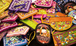 Ασιατικά αντικείμενα για την πώληση στο φεστιβάλ της Ανατολής στη Ρώμη Ιταλία Στοκ Φωτογραφία