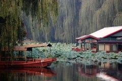 Ασιατικές πάρκο και βάρκα Στοκ φωτογραφία με δικαίωμα ελεύθερης χρήσης