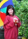 ασιατική γυναικεία ομπρέ&l Στοκ φωτογραφία με δικαίωμα ελεύθερης χρήσης