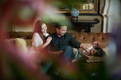 ασιατική ελκυστική οικογένεια στοκ φωτογραφίες με δικαίωμα ελεύθερης χρήσης