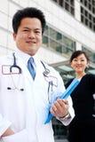 ασιατική νοσοκόμα γιατρών ανασκόπησης Στοκ φωτογραφία με δικαίωμα ελεύθερης χρήσης