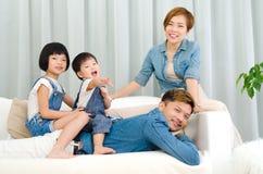 ασιατική οικογένεια καλή Στοκ φωτογραφία με δικαίωμα ελεύθερης χρήσης