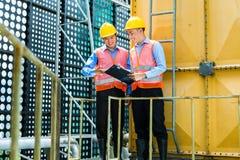 Ασιατικοί ινδονησιακοί εργάτες οικοδομών για το εργοτάξιο Στοκ εικόνες με δικαίωμα ελεύθερης χρήσης