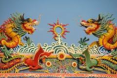 Ασιατικός δράκος στον κινεζικό ναό στοκ εικόνες