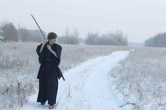 Ασιατικός πολεμιστής πολεμικών τεχνών στη χειμερινή κατάρτιση Στοκ φωτογραφίες με δικαίωμα ελεύθερης χρήσης