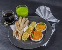 Ασιατικό ινδικό σύνολο, κοτόπουλο Korma, masala tikka κοτόπουλου, naan β Στοκ φωτογραφίες με δικαίωμα ελεύθερης χρήσης