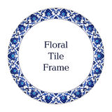 Ασιατικό κεραμιδιών μπλε άσπρο πλαίσιο διακοσμήσεων σχεδίων Floral Στοκ εικόνα με δικαίωμα ελεύθερης χρήσης