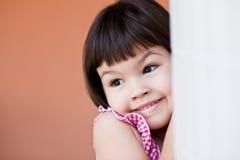 Ασιατικό κορίτσι με την κοντή τρίχα στοκ εικόνες