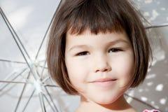 Ασιατικό κορίτσι με την κοντή τρίχα στοκ φωτογραφίες με δικαίωμα ελεύθερης χρήσης