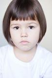 Ασιατικό κορίτσι με την κοντή τρίχα στοκ φωτογραφίες