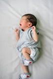Ασιατικό νεογέννητο μωρό στο νοσοκομείο, δωμάτιο παράδοσης Στοκ Φωτογραφίες
