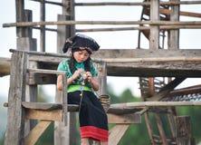 Ασιατικό πλέξιμο κοριτσιών παιδιών Στοκ εικόνα με δικαίωμα ελεύθερης χρήσης