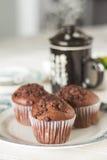 Ασιατικό τσάι με muffins σοκολάτας Στοκ Φωτογραφίες
