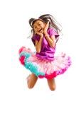 ασιατικό χαριτωμένο κορίτσι που πηδά ελάχιστα Στοκ Εικόνα
