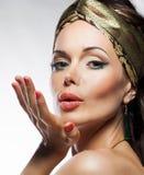 Ασιατικό ύφος. Όμορφο γυναικείο μαγικό πρόσωπο. Glamor Στοκ Φωτογραφίες