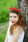 δασική στήριξη κοριτσιών Στοκ φωτογραφία με δικαίωμα ελεύθερης χρήσης