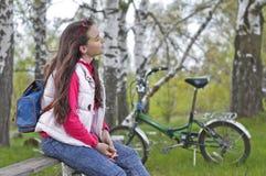 δασική στήριξη κοριτσιών Στοκ Φωτογραφίες